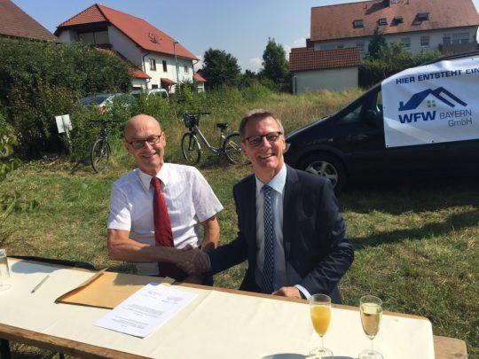 IMG_3454 Unterzeichnung Betreuungsvertag Hr. Seeger Hr. Binder